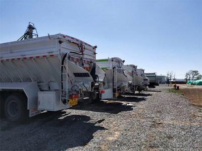 Intelligent conveyor belt feed and fertilizer special vehicle